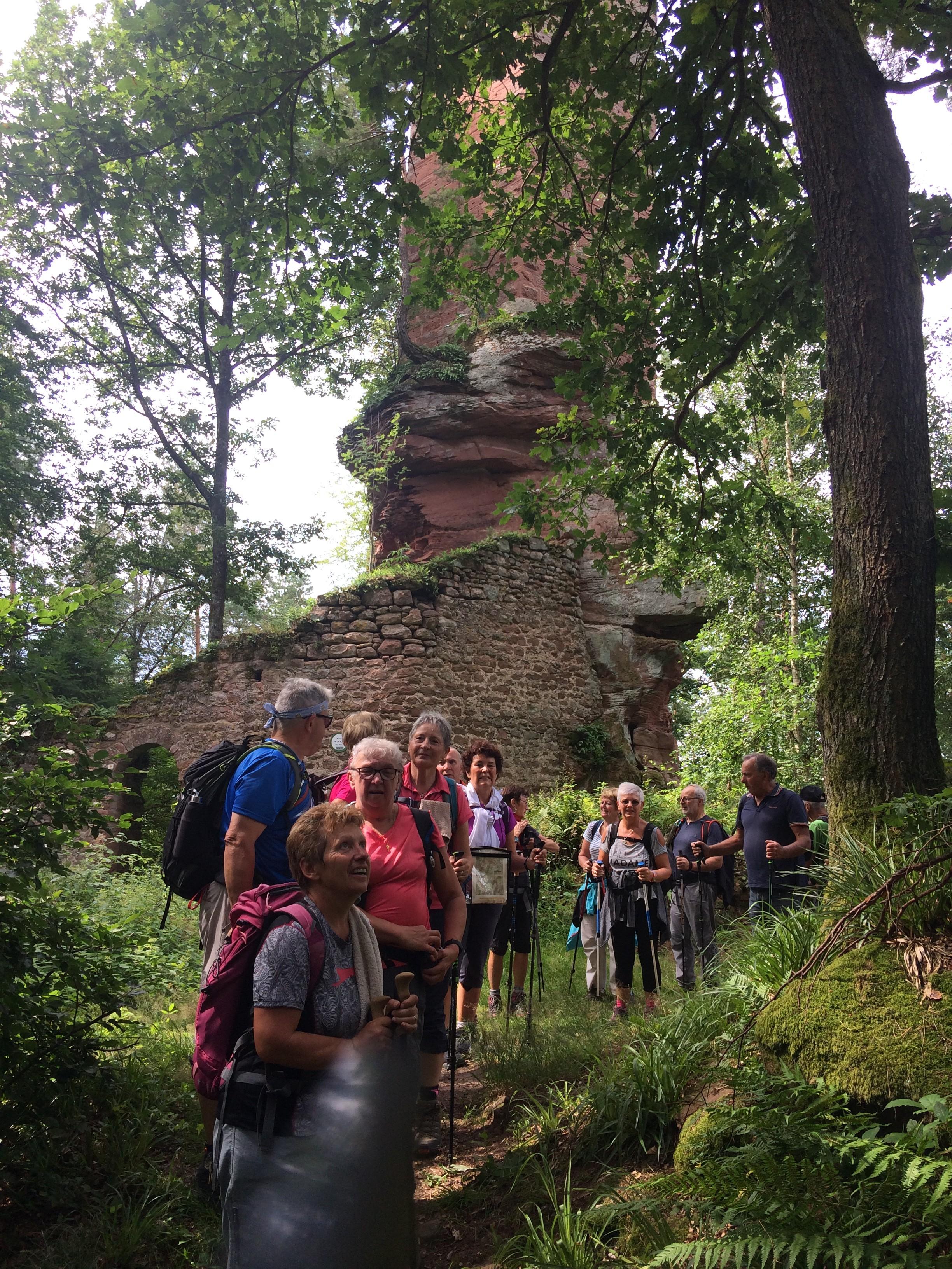 Au pied des ruines du Wineck