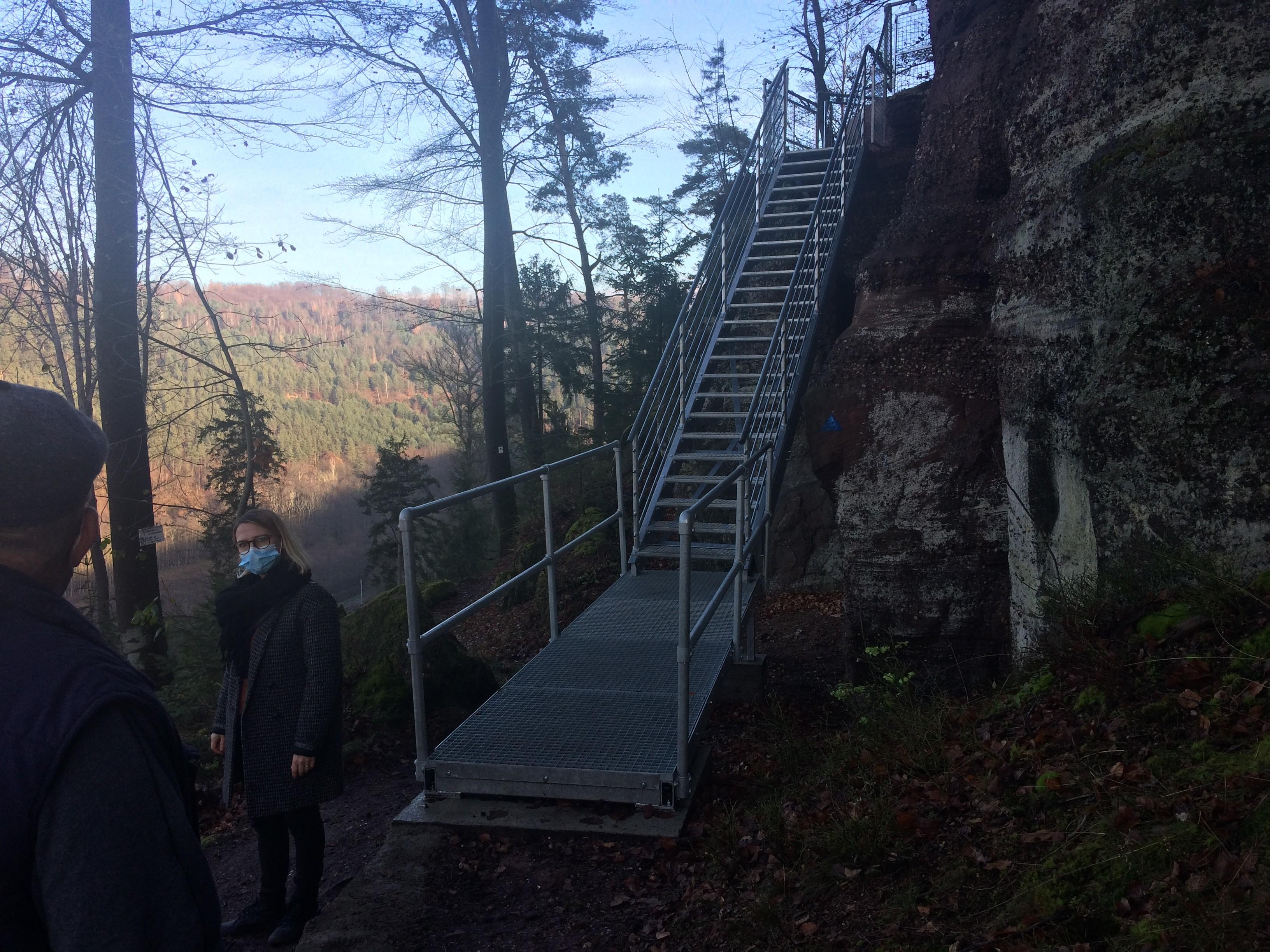 L' escalier au rocher du petit moulin